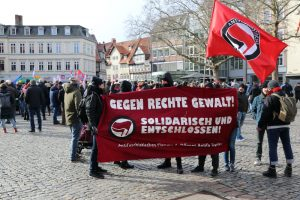 Kundgebungsplatz Am Kohlmarkt. BGR: Gegen den rechten Terror