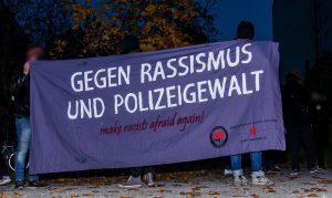 Transparent: Gegen Rassismus und Polizeigewalt